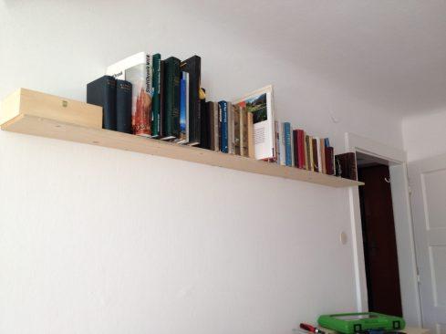 MU bookshelf 01